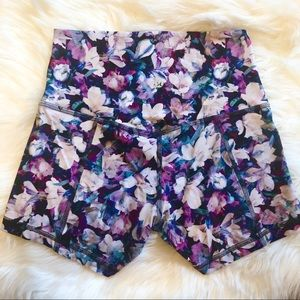 Lululemon | Wunder Under Elastic Shorts | Size 6